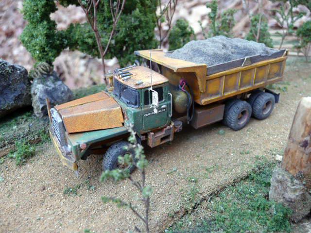Truck Bed Toolbox >> Mack DM800 Dump Truck