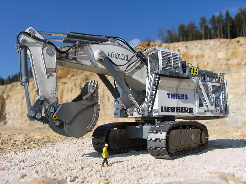 Tracks For Vehicles >> Liebherr R9800 Mining Excavator